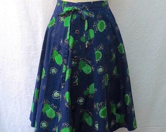 1950s / 60s Vintage Novelty Print Cotton Skirt / Blue & Green Hippo Print Pintucked Skirt