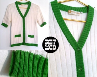 Cute Sporty Kelly Green Trim and White Ribbed Preppy Vintage 60s Sweater!