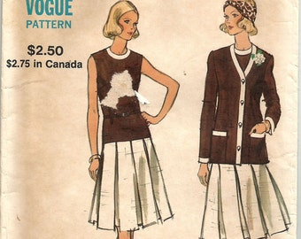 Vintage 70s Dress with Drop Waist and Pleated Skirt UNCUT FF Vogue 8266 34 bust size 12