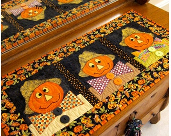 Three Scarecrows PDF Table Runner Pattern