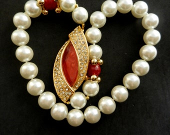 Vtg 1960s  1strand large simulated pearl Necklace - short necklace with impressive decoration /clasp and bright root ruby beads - Art.951/3-