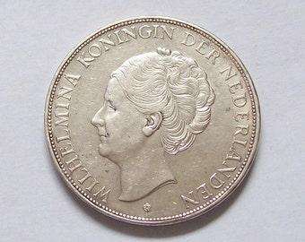 1931 Netherlands 2.5 Guilder Silver Coin Dollar Size Wilhelmina