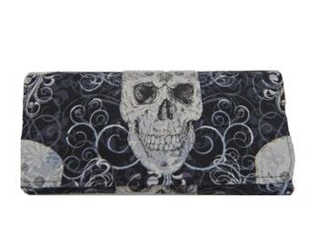"USA Handmade Bifold Woman Wallet With ""Shiny Metalik Skulls"" Pattern, NEW, RARE"