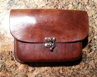 Molded Leather Belt Pouch (square)