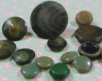 Vegetable Ivory Buttons 15 Green Dyed Tagua Nut Buttons