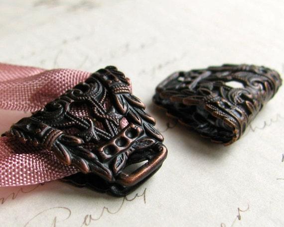 Laurel wreath, large bail, folded filigree, 18x22mm black antiqued brass bail for ribbon (2 bails) link, pendant holder, necklace finding