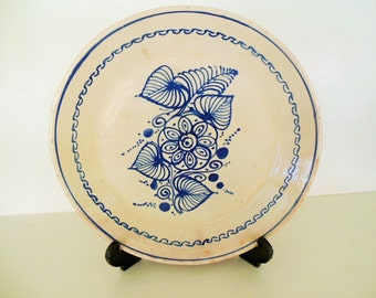 "Mexican Talavera Poblana 10 3/4"" Plate, Round Charger Blue Leaf on Cream, Folk Art"