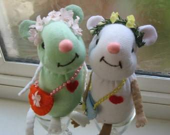 Wee Messenger Mouse (tm), Made to Order, from the Soft Hearts (tm) Collection, with gift wrap