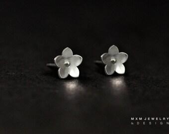 Little Forget Me Not Flower Stud Earrings