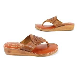 Vintage 70s Leather Sandals Woven Flip Flops Hippie Sandals Boho Shoes Brown Leather Shoes 1970s Size 5.5 Junebugs