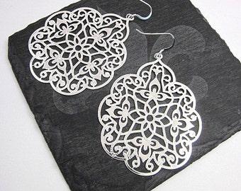 Large Filigree Earrings -- Lace Filigree Earrings -- Large Silver Metal Earrings -- Large Party Earrings -- Silver Filigree Earrings