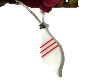 Old Fashioned Christmas Ornament, Fused Glass, Oblong, White, Red, Retro Ornament, Christmas Decor