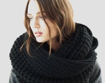 Wool Scarf / Infinity Scarf / Chunky Knit Scarf / Shawl / Loop Scarf / marcellamoda k - MA402