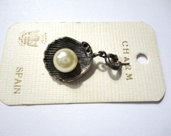 Vintage Pearl in an Ocean Shell Charm
