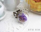 Antique Bronze & Purple Dried Flower Terrarium Ring, Purple Dried Flower Ring, Glass Flower Ring, Wild Flower Ring, Rose Terrarium Ring