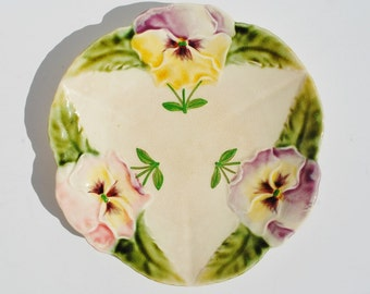 Antique French H. B. & Cie - Choisy le Roi Majolica Plate - Hautin and Boulanger, Pansies, Majolica Plates, Floral, Pastel