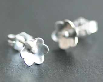 Small Flower Sterling Silver Earrings - Post /Stud Earrings - 8mm