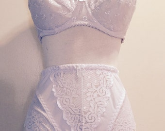 Soft Lacey White Elegant Mid Waist Panty and Embroidery Wire Bra Lingerie Set