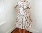 Vintage Ecru 1950s Dress Novelty Print Shirtwaist Dress Vehicles - Small
