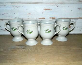 Christmas Heirloom by Pfaltzgraff - Set of 4 Holiday Pedestal Mugs - Cups
