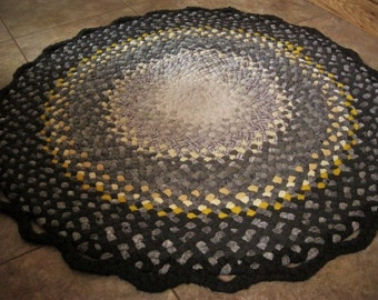 Made To Order Handmade Round Braided Rug / Rag Rug / Carpet in your color choices