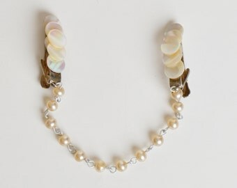 Vintage 50s 60s Mother of Pearl Sweater Clip