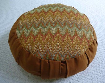 Meditation cushion with a beautiful Autumn color zig zag circle and Ginger sides and back