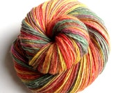 Lovebird Feathers - BFL w BabyAlpaca - single thread handspun shawl yarn 103gr 380m