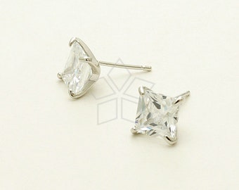 SI-658-OR / 2 Pcs - Diamond-Cut Stud Earrings, Silver Plated, with .925 Sterling Silver Post / 10mm x 10mm