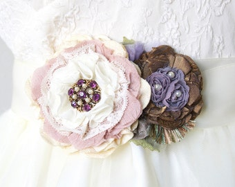 Wedding Belt with Pink and Purple Flowers, Colorful Bridal Sash, Vintage Garden Wedding, Floral Sash, Bridal Belt with Fabric Flowers