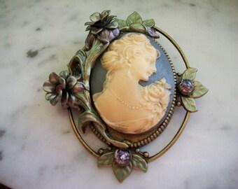 Vintage Sweet Romance Cameo Brooch Pin