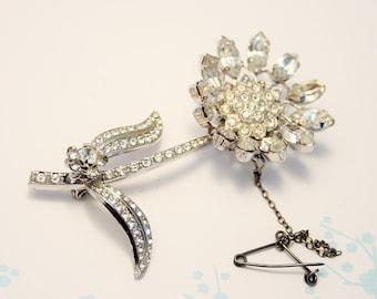 Vintage flower brooch. Crystal flower brooch