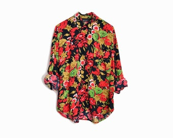 Vintage 90s Floral Boyfriend Shirt in Black Red & Green - women's medium