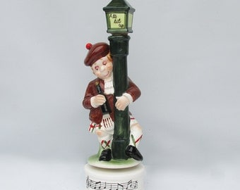 Kitschy Mid Century Ceramic Drunk Scotsman on a Lamp Post Bar Decanter - Music Box