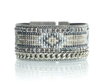 Grey beaded loom bracelet with evil eye symbol - evil eye jewelry - native jewelry - tribal woven cuff bracelet - geometric jewelry