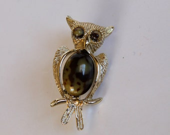 Vintage 1950s Gold Owl Brooch/Pin with Tortiseshell