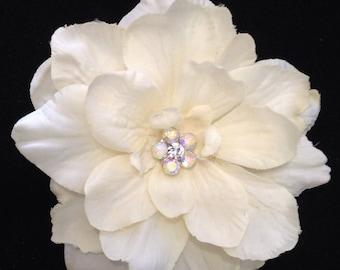 Ivory Bridal Hair Clip Delphinium Ivory Hair Flower Ivory Wedding Hair Piece AB Jewel Elegant Small Hair Flower