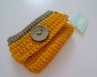 Crochet Small Wallet or Coin Purse with Wood Button