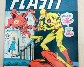 DC bronze age comic book. The Flash and Green Lantern. Vol 26 #233 May 1975