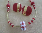 Vintage costume jewelry  / necklace and pierce earrings