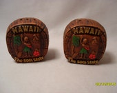 Cool Vintage Souvenir Hawaii The 50th State Salt and Papper Shakers