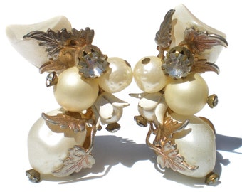 Vintage Jewelry Clip On Cluster Earrings with White Imitation Pearls and Gold Tone Leaves & Rhinestones - Bridal Wedding