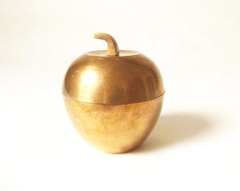 Vintage Brass Apple Trinket Box … Fruit Tabletop Decor, Hollywood Regency Storage Box, Warm Brass Patina, Fruit Figurine, Paperweight
