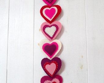Pink felt hearts wall hanger / door hanger - 6 flat hearts
