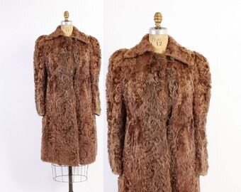 Vintage 40s FUR COAT / 1940s WWII Era Curly Brown Lamb Plush Fur Winter Coat xs - s