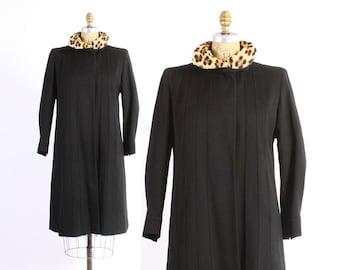 Vintage 40s COAT / 1940s-50s Black Wool Swing Coat with Leopard Print Fur Collar M