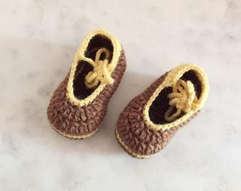 Handmade Crochet Baby Booties in Chocolate size 2
