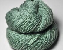 Sea grass in the sun - Merino/BabyCamel Fingering Yarn