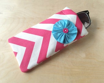 Pinch top fabric sunglasses or eyeglasses case pouch - Hot Pink Chevron