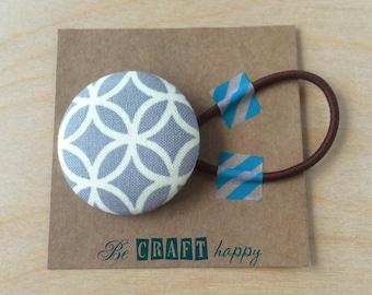 Button ponytail holder - Gray Trellis